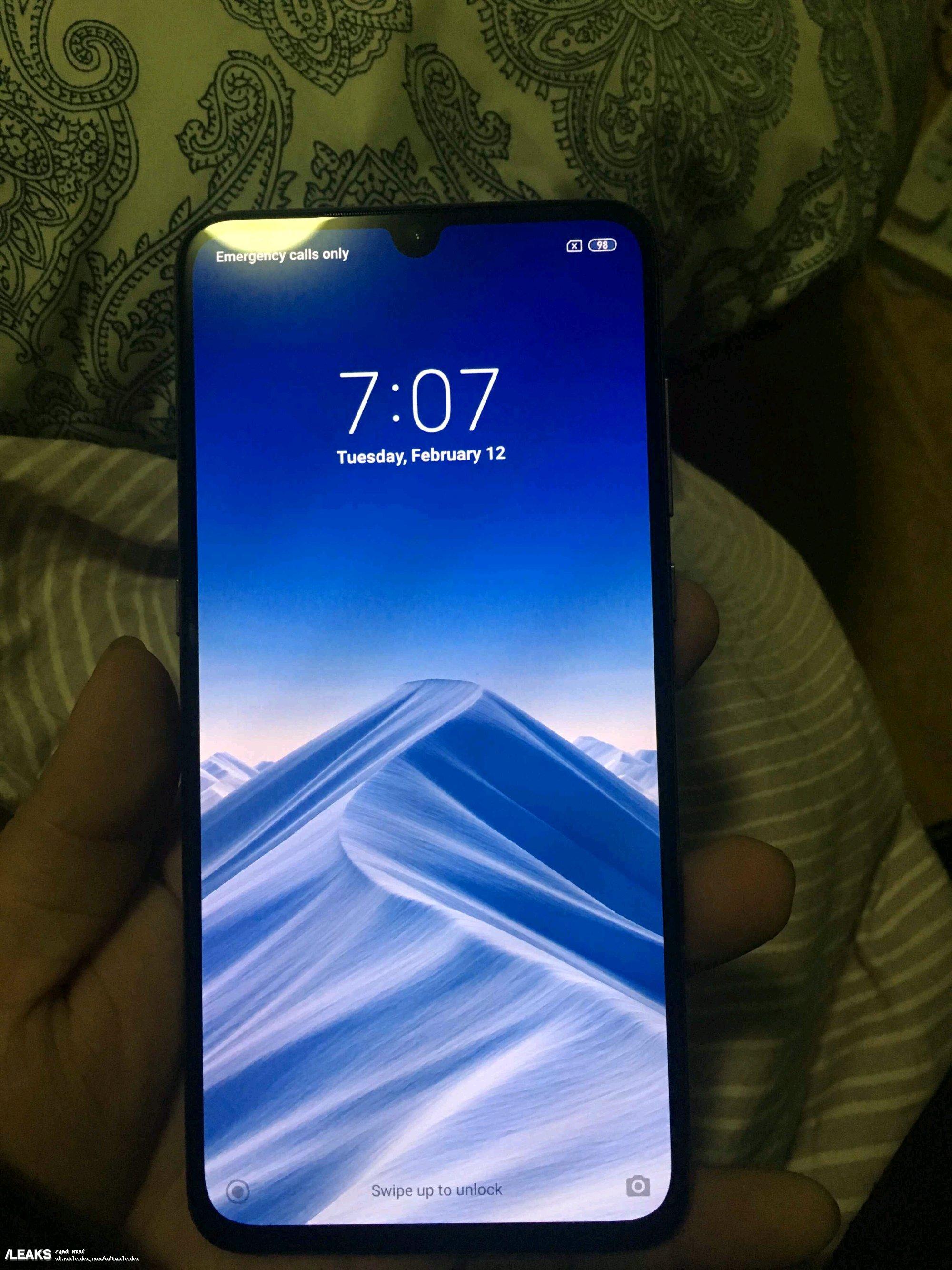 img Black Xiaomi Mi9 hands-on pics