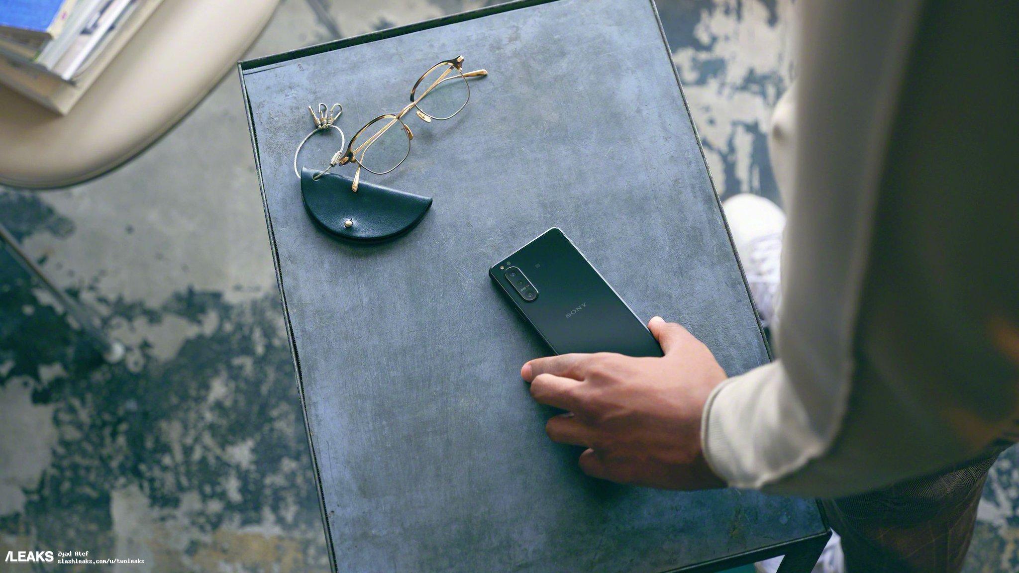 img Sony Xperia 5 II promo material leaked