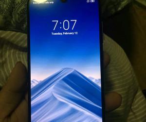 Black Xiaomi Mi9 hands-on pics