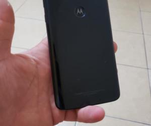 Moto G7 Plus unboxing pictures