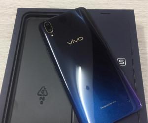 Vivo X21S unboxing pics