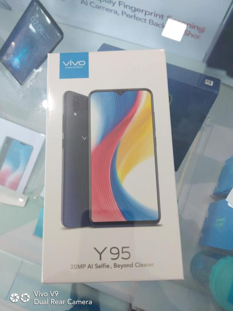img Vivo y95 retail Box leaked